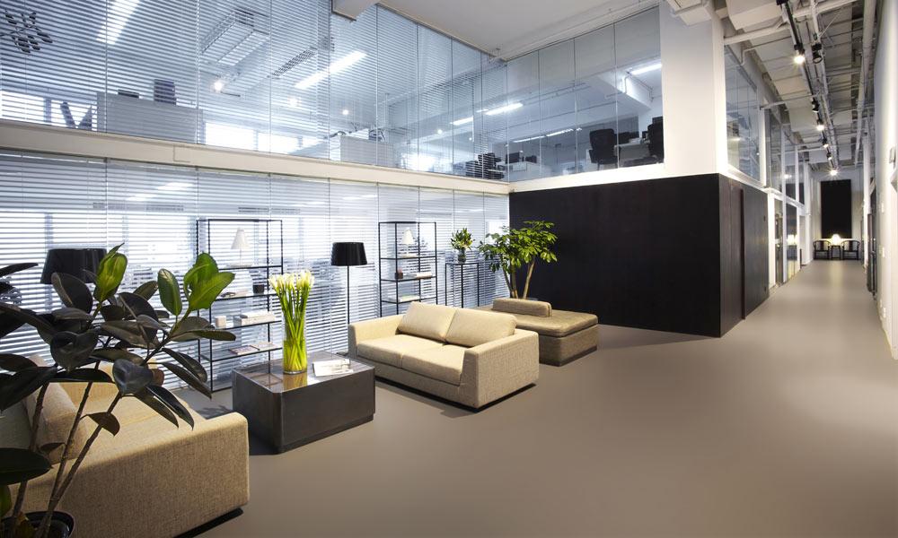 Goedkope beton gietvloer Betonlook vloer Showroom
