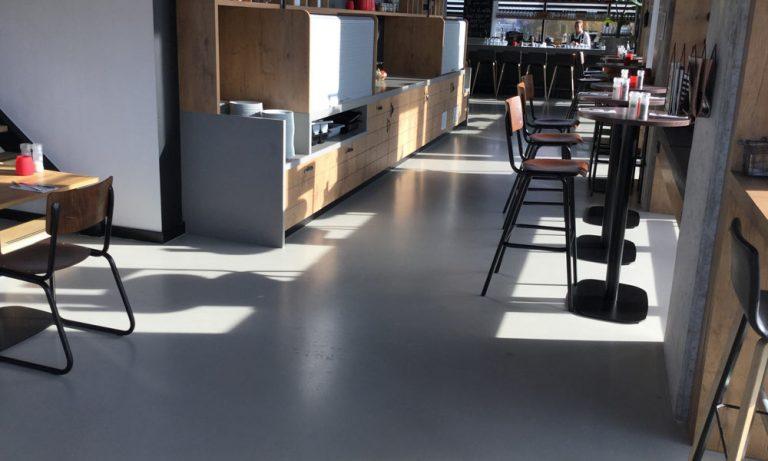 Betonlook vloer prijs zo bepalen wij de prijs betonlookvloer